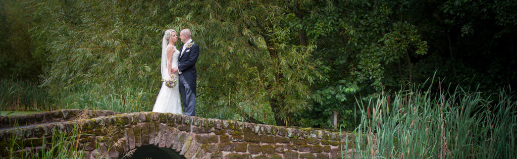 natural-wedding-photography-bride-groom-a28