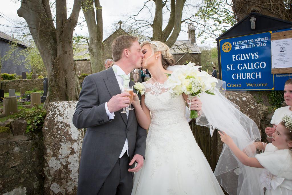 wedding-photography-plas-rhianfa-anglesey-spring-163